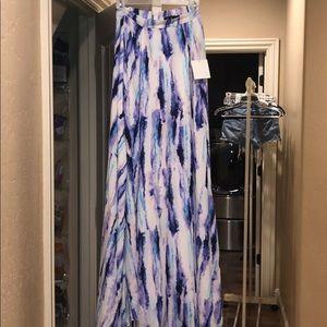 LuLus maxi skirt!